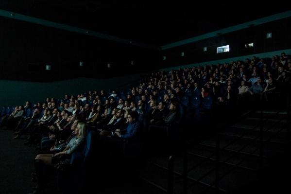 Билеты в нескольких кинотеатрах доступны для брони