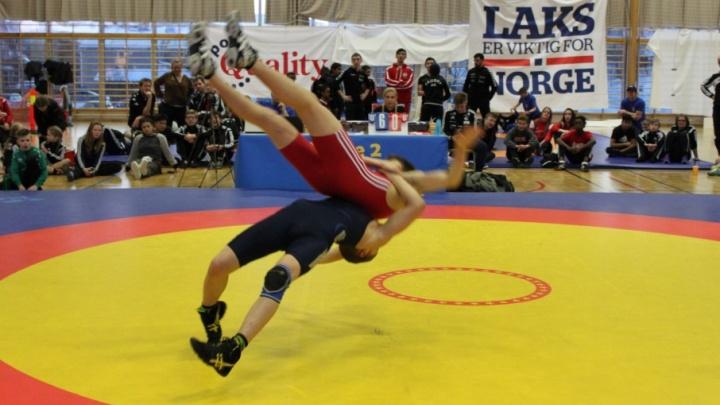Новодвинский борец Владимир Баклушин завоевал две золотые медали на международном турнире