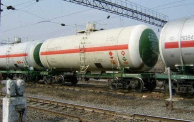 В Ростовской области пожилую женщину сбил грузовой поезд