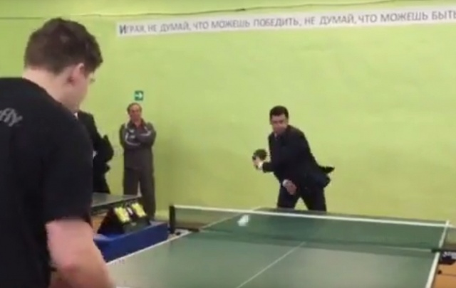 Глава региона сыграл в настольный теннис с профессионалами: видео