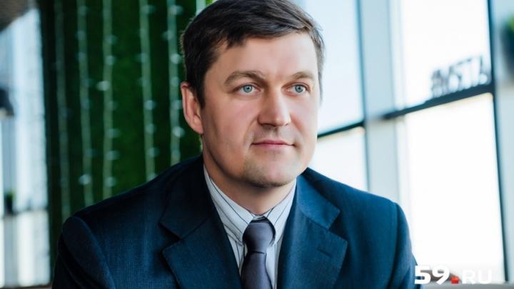 «Доктор — это человек, положивший себя на плаху»: кардиохирург Михаил Суханов об отце, карьере и сердцах