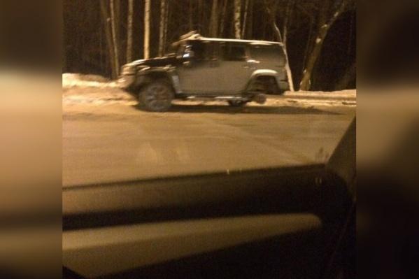 «Хаммер» потерял колесо на проспекте-убийце в Ярославле