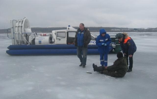 На озере Плещеево спасли пьяного рыбака: фото