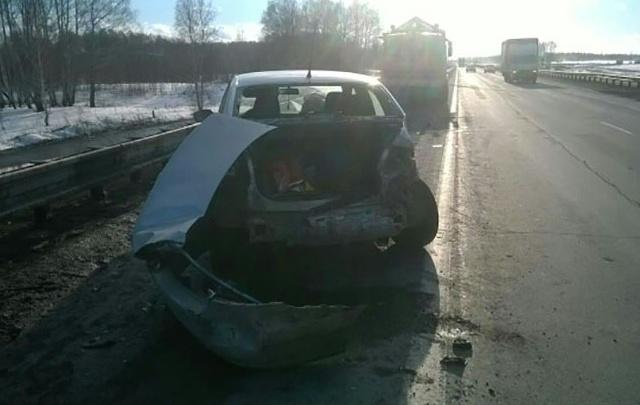 На трассе М-5 в Челябинской области мужчина погиб, вылетев из машины