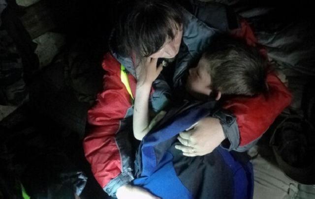 «Мальчика восемь километров несли на руках»: волонтеры – о том, как спасали грибников в прикамском лесу