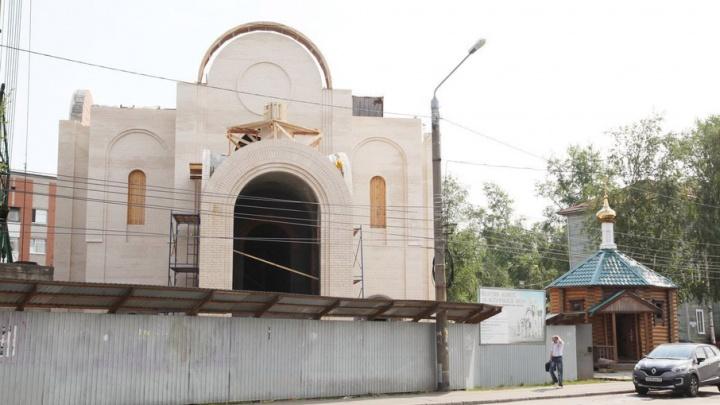 Первый купол увенчал строящийся Спасо-Преображенский Морской собор в Соломбале