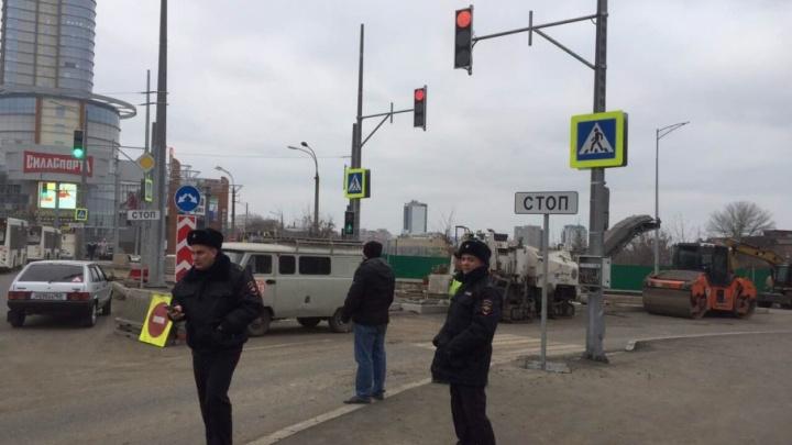 На кольце Луначарского и Московского шоссе включили светофоры