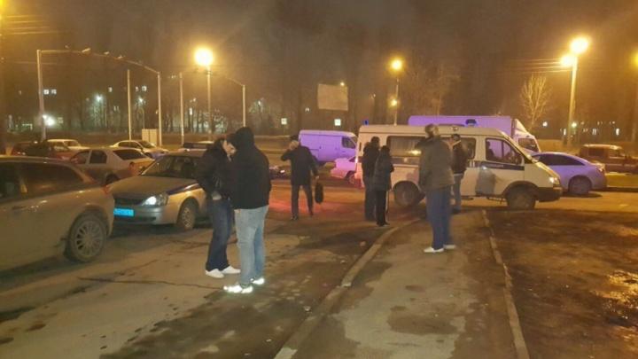 В Ростове на Западном угонщики Toyota разбили восемь машин