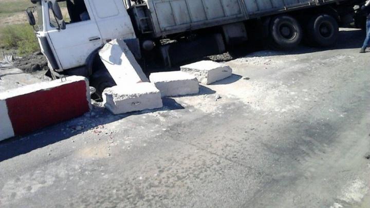 «У грузовика отказали тормоза»: трассу в Челябинской области закрыли из-за крупной аварии