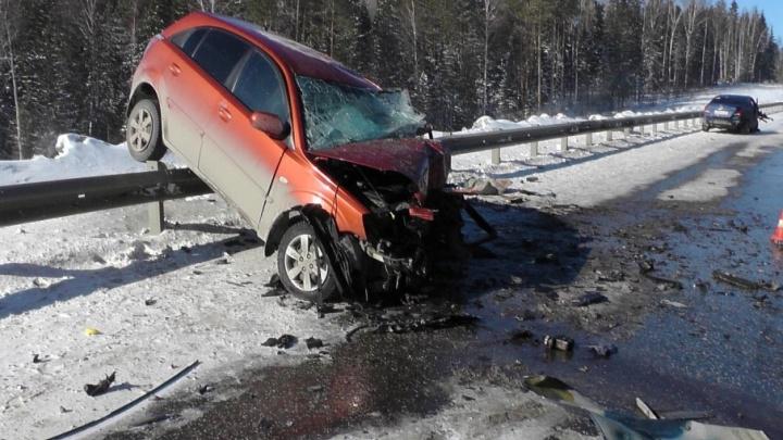 Hyundai выехал на встречку. В аварии на трассе Пермь — Екатеринбург погибла девушка