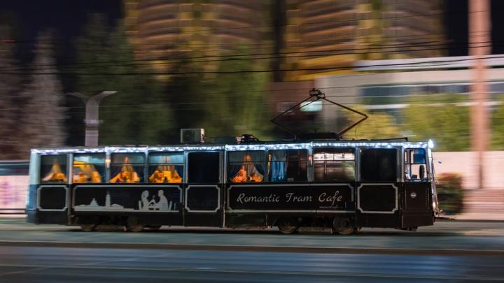 «Обновим внешний вид»: пермский трамвай-кафе перекрасят в новый цвет