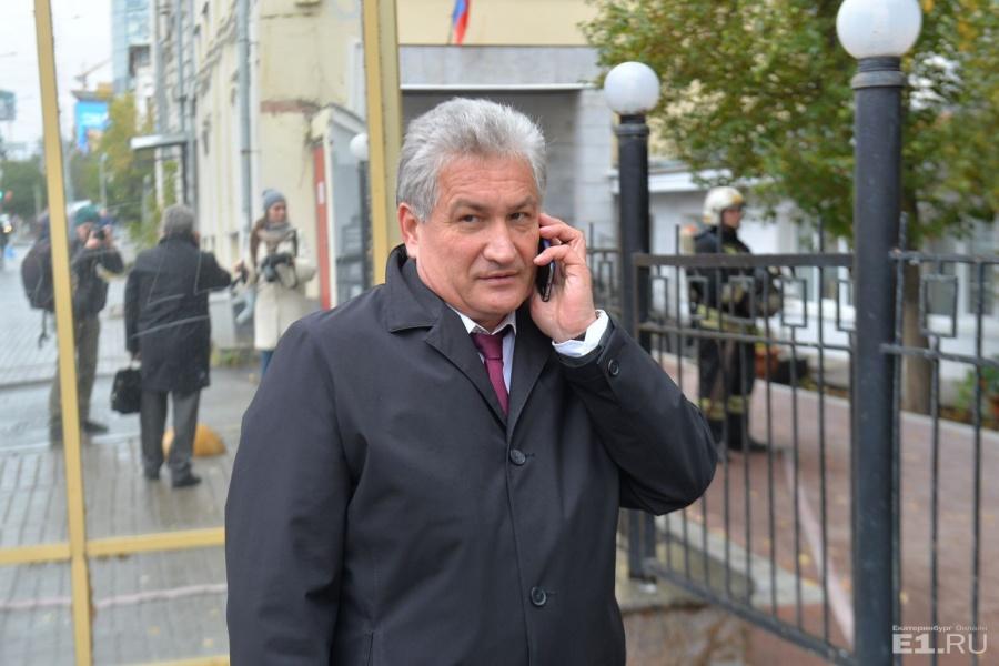 ЮрияБиктуганова мы сняли во время разговора с нашим корреспондентом.