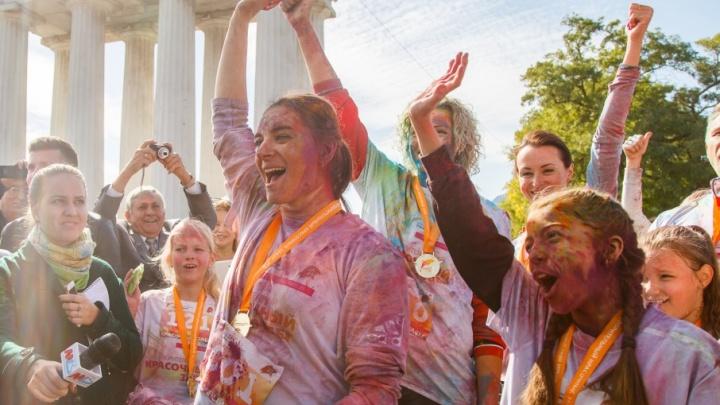 Елена Исинбаева поздравила президента с юбилеем салютом из ярких красок
