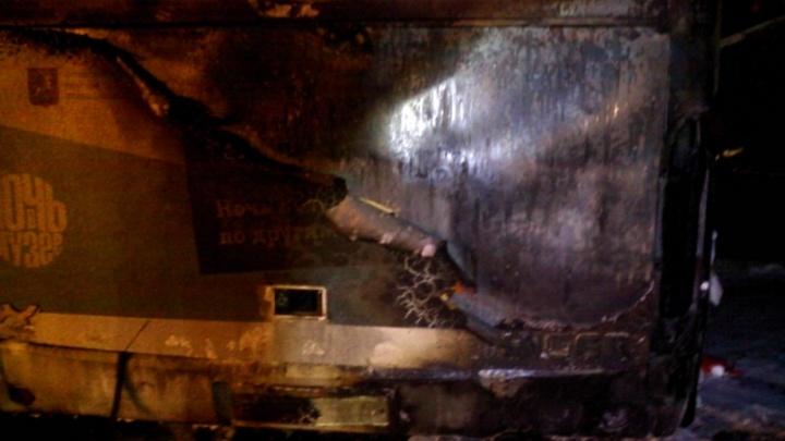 В Ярославском районе загорелся автобус с туристами
