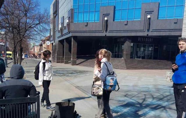 Из-за подозрительного пакета оцепили здание офисного центра «Челябинск-Сити»