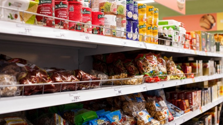 Сладкоежка: тюменка похитила из магазина 13 коробок конфет