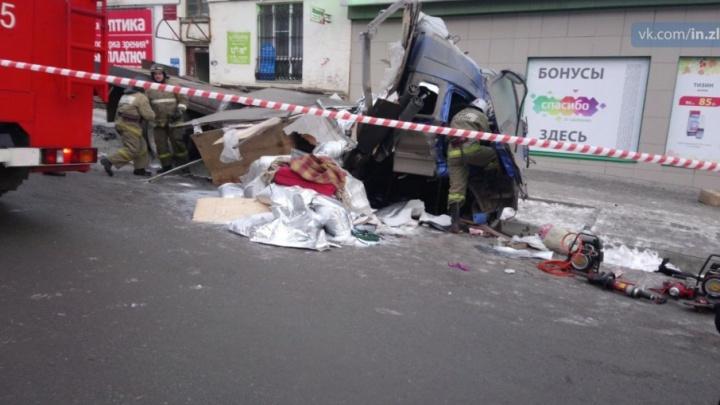 В Златоусте фура сбила пешеходов, погибли два человека