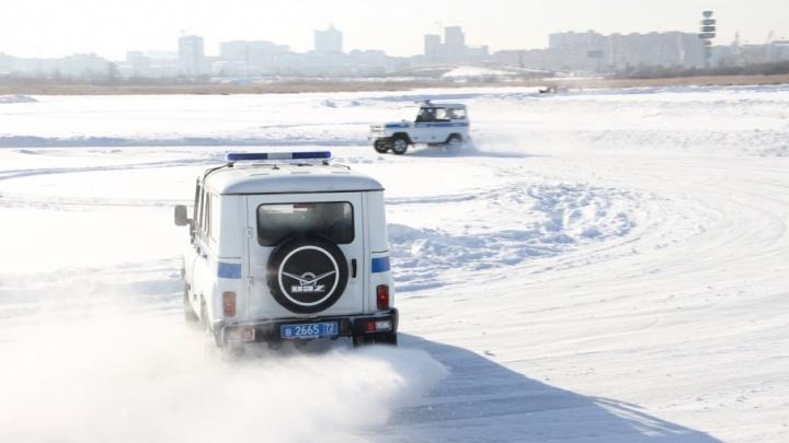 Пять вечеров в Тюмени: идём на ностальгический рок-концерт, смотрим на гонки полицейских по льду