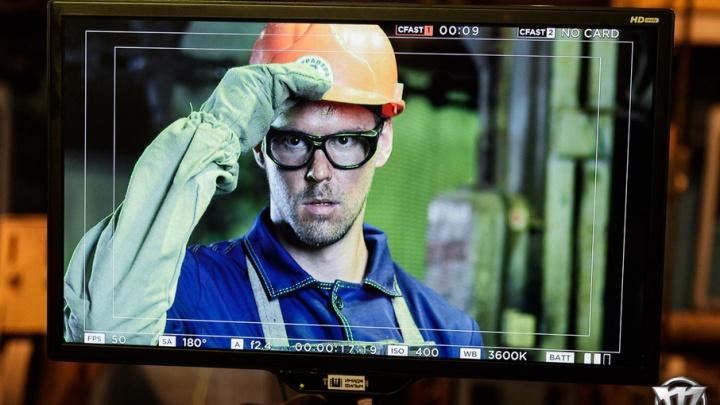 Хоккеисты «Трактора» поработали на заводе