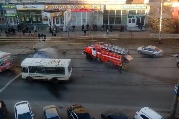 Пожарные потушили пламя в считанные минуты