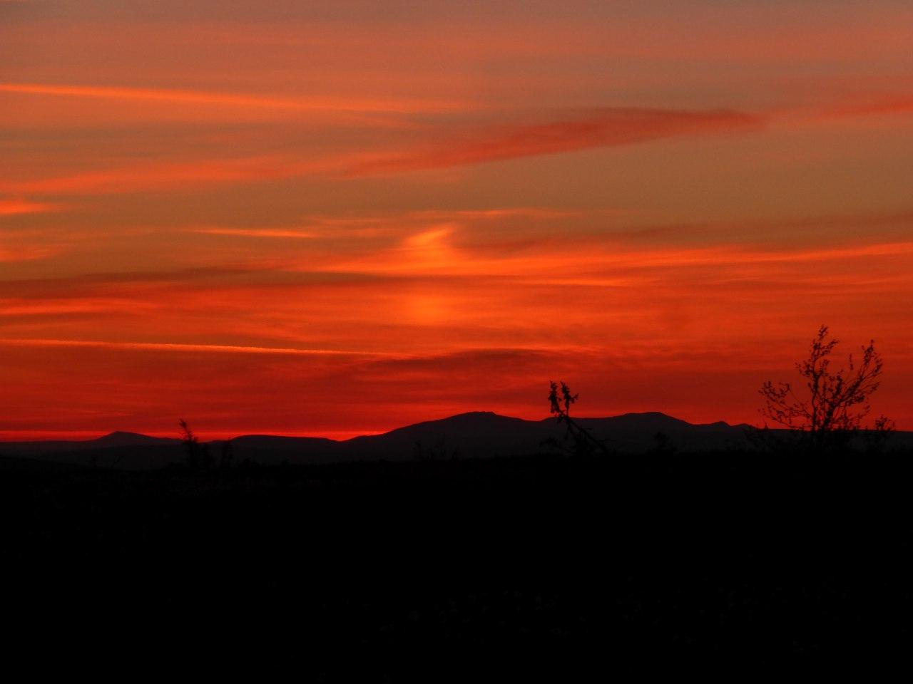 Теплый закат на Маньпупунёре