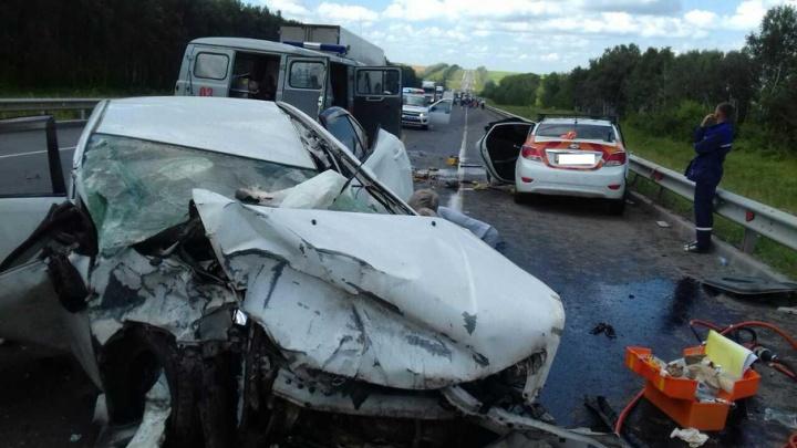 Жительница Челябинской области погибла на М-5 под Самарой, двое детей в больнице