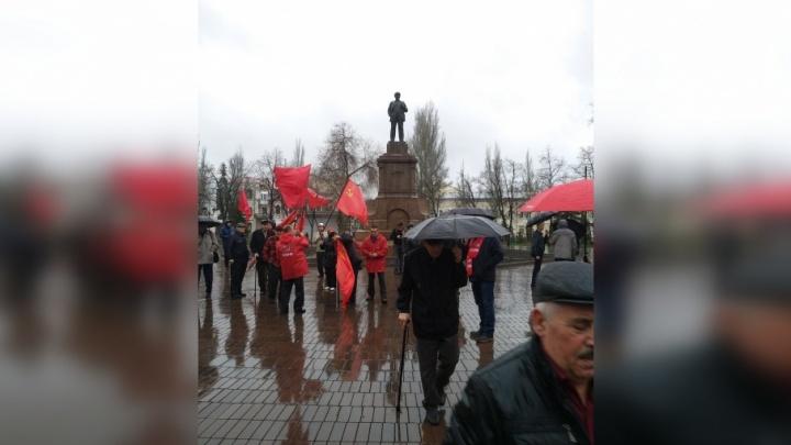 «Живее всех живых»: самарские коммунисты почтили память вождя мирового пролетариата
