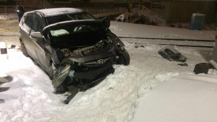 В Запанском столкнулись грузовой поезд и легковой автомобиль