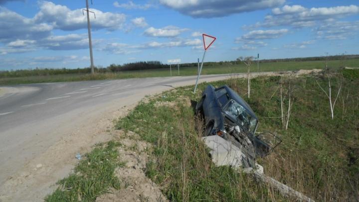 В Каргопольском районе пожилой пьяный водитель устроил кульбит на дороге