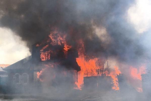 Причина пожара пока не установлена