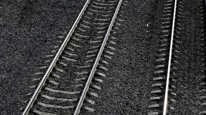 Вагон грузового поезда, направляющийся из Перми в Тюмень, сошел с рельсов