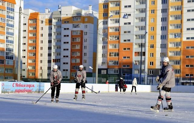 Жители «Паркового» потеряли хоккейную коробку