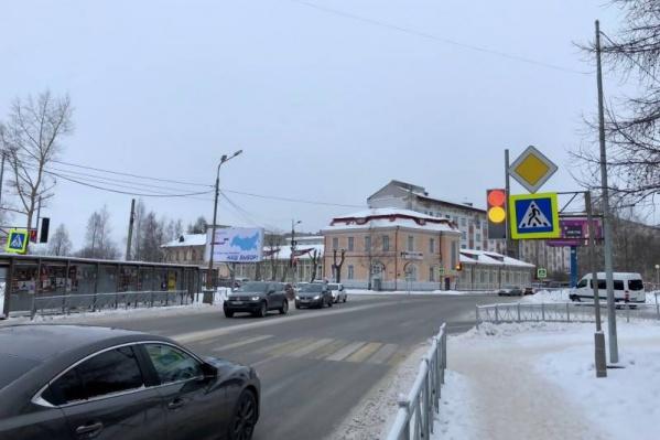 С появлением светофора удобнее и безопаснее будет подходить к больницам и пациентам