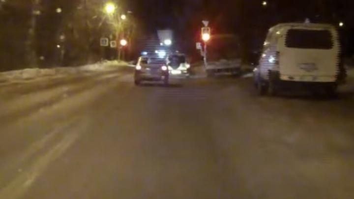 В Северодвинске полицейские с погоней задержали пьяного лихача с ребёнком
