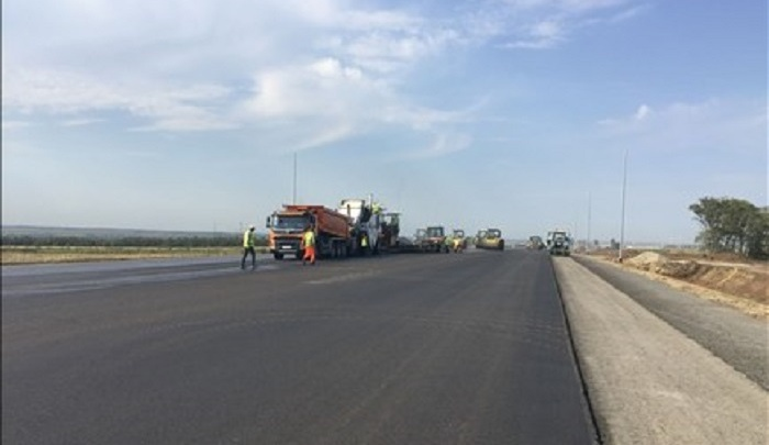 Дорога к аэропорту Платов готова наполовину