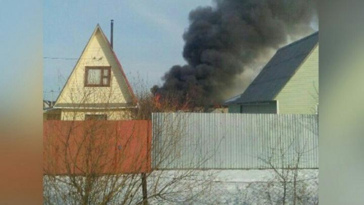 За день под Тюменью сгорели два дома