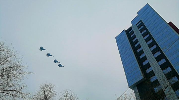 Боевая авиация будет летать над Волгоградом всю неделю