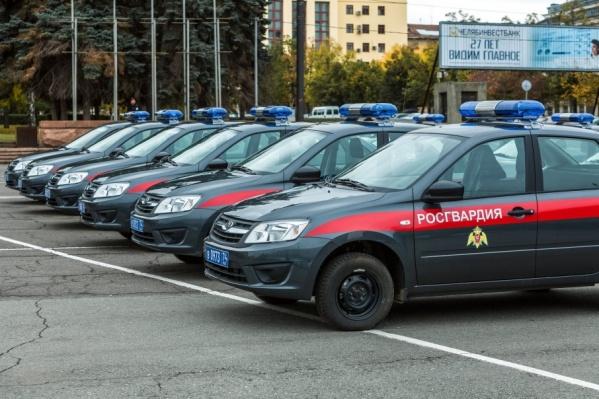 Ранее росгвардейцы колесили на машинах в «полицейской» раскраске