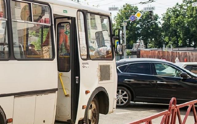В Ярославле гаишники поймали пьяного водителя машрутки с пассажирами