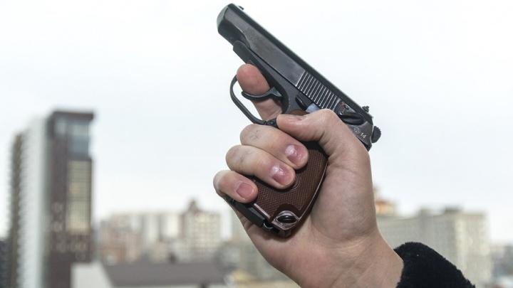 Покупатель после ссоры с продавцом открыл стрельбу в ростовском магазине
