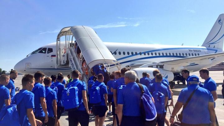 ФК «Ростов» прилетел в Екатеринбург