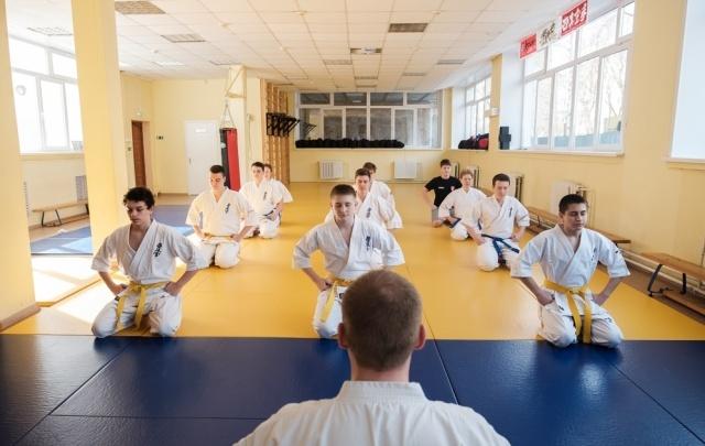 Кузница чемпионов: рассказываем о школе, где дети изучают воинское искусство и говорят на японском