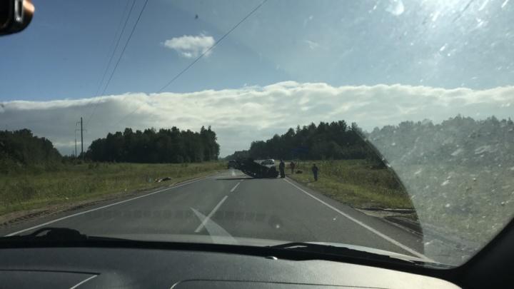 В Плесецком районе водитель попытался избежать столкновения с другим авто и перевернулся