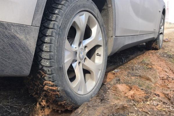 Ярославец протыкал колеса нерадивым автопарковщикам