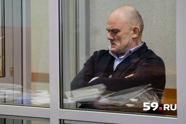 Владимир Нелюбин стал последним фигурантом уголовного дела по «Экопромбанку», оставшимся на свободе