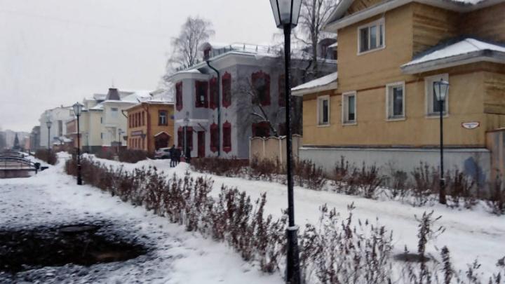 Чумбаровка на стиле: главную пешеходную улицу Архангельска украсили новые светильники