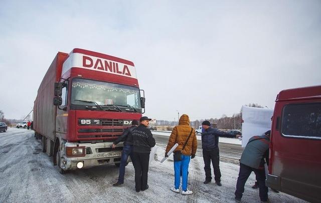 С 1 апреля в Самарской области грузовикам запретят ездить по разбитым дорогам