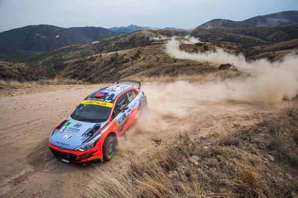 Московский пилот Николай Грязин и челябинский штурман Ярослав Фёдоров выступают в мировом чемпионате по авторалли в категории WRC2 на автомобиле Hyundai i20 R5'20