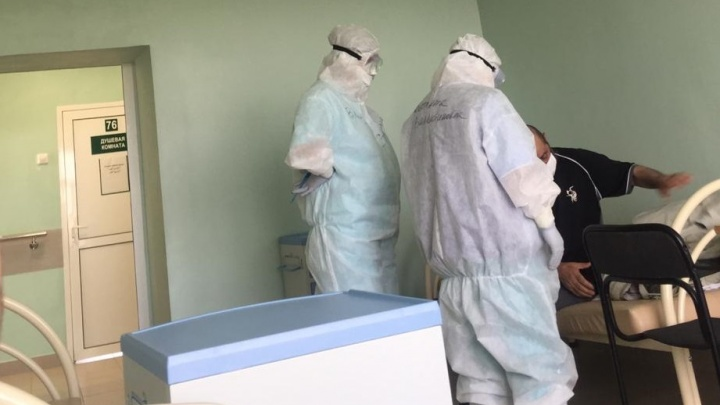 «Боишься, что не проснешься»: три семьи из Екатеринбурга заболели COVID-19 после детского дня рождения