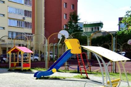 При строительстве безопасных спортплощадок в центре Челябинска похитили четверть миллиона рублей